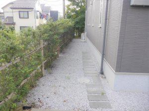 お庭に続くアプローチ