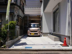 軽でしたら2台駐車出来ます