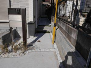 2号棟玄関アプローチ